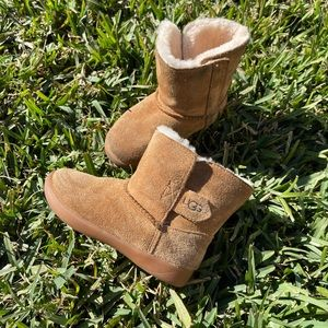 Ugg🍂🍁chestnut winter boots Sz 8